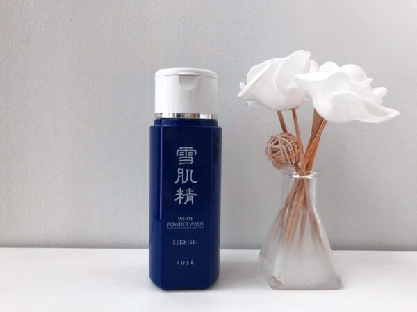 KOSÉ โคเซ่ ผงแป้งทำความสะอาดผิวหน้า Sekkisei White Powder Wash (100g (1)